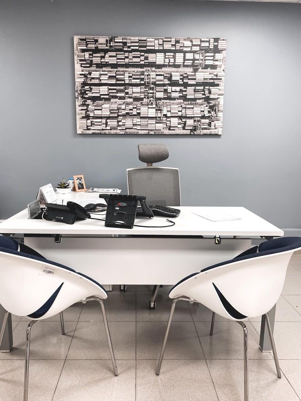 escritorio gerencial versa silla axis gris claro sillas so happy