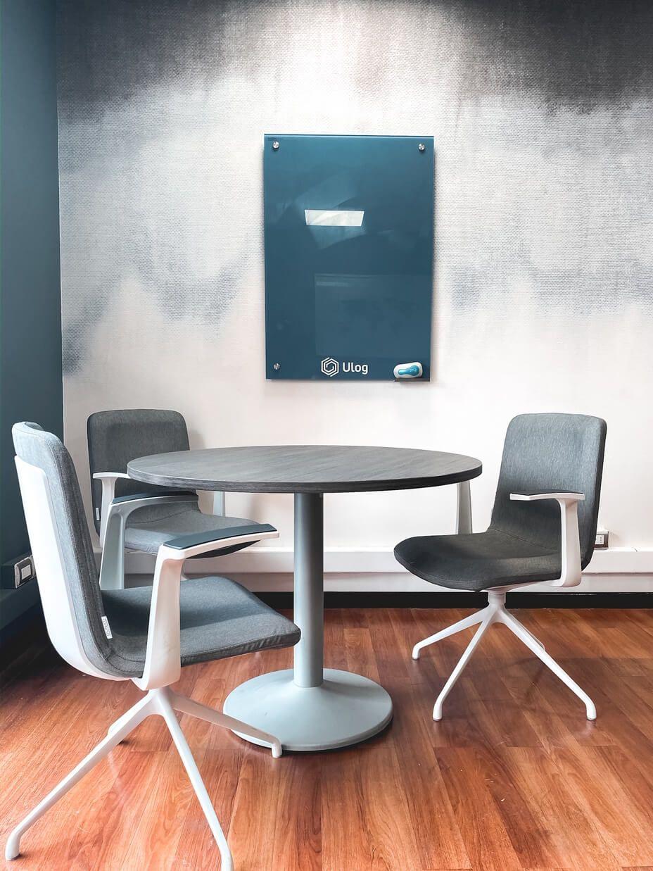 mesa de reunion redonda silla alessia